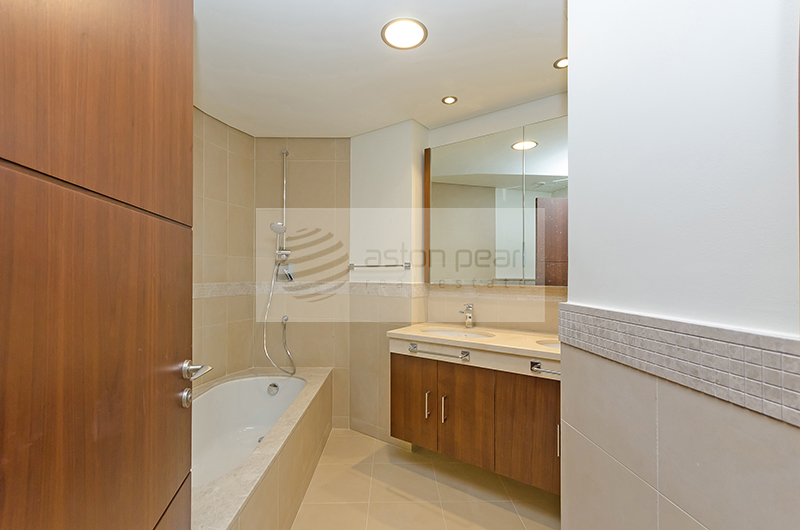 Vacant on Transfer, Prime Location, 2BR, Sea View