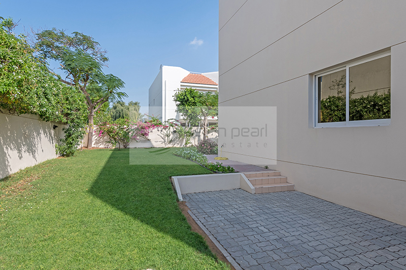 3 BR+Maid | Spacious Living Area | Private Garden