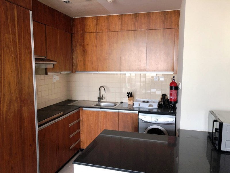 Beautiful, Vacant 1 bed, Fully Furnished