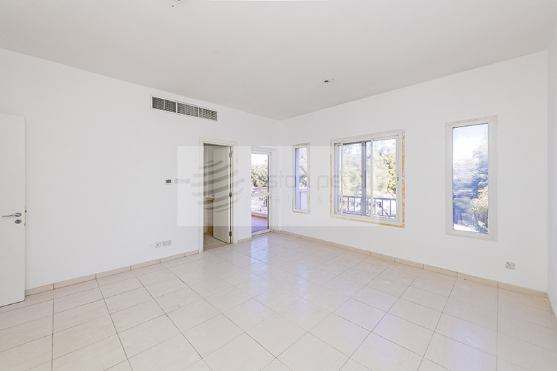 Vacant, Extended 3BR Middle Unit in Springs 7