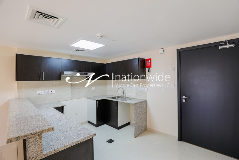 Amazing Unit + Balcony For Up To 12 Payments