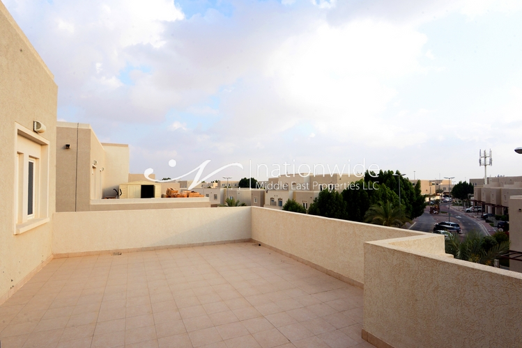 Single row Villa w/ Excellently Maintained Garden