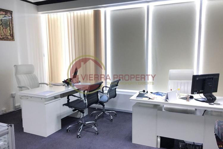 Rented Fully Fitted Office in Oxford Tower