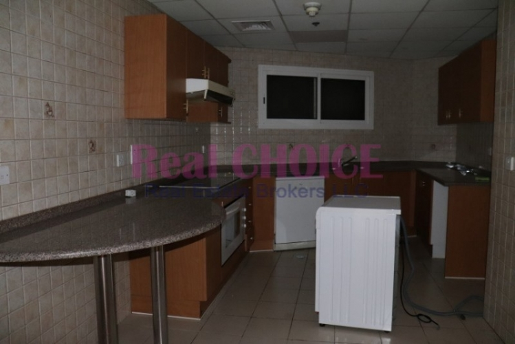 With Amazing View 2BR Apartment on SZR