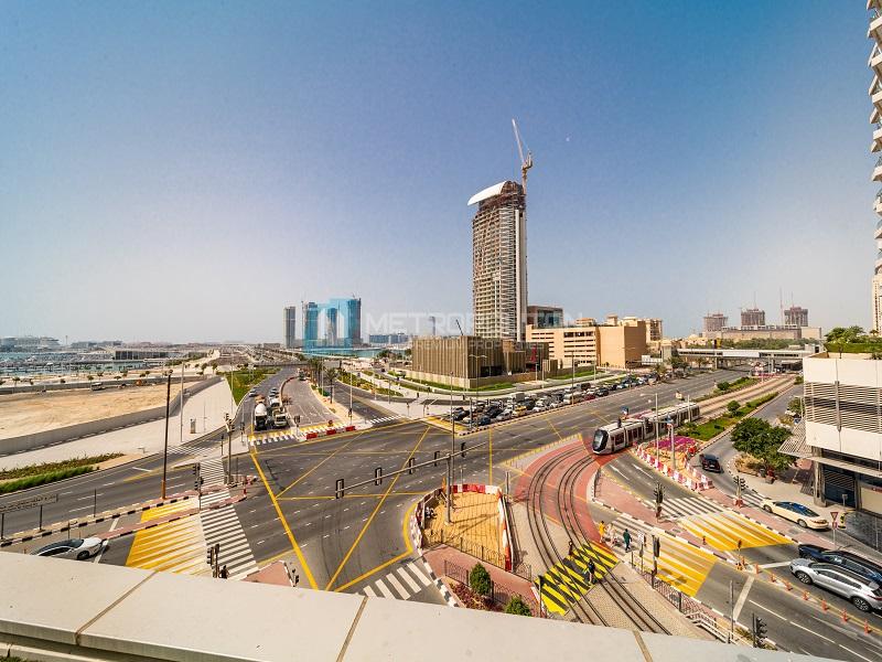 Spacious Unit| Dubai Eye View| Huge Terrace|Vacant